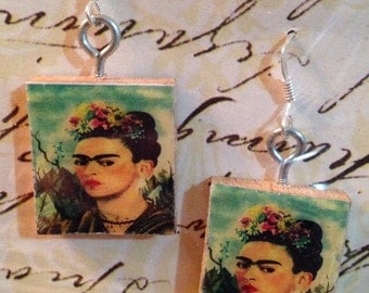 Scrabble Tile Earrings: Frida