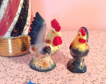 Vintage chicken and hen salt and pepper shakers