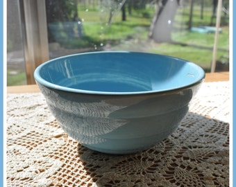 Bauer Blue #24 Serving Bowl Nice Condition!