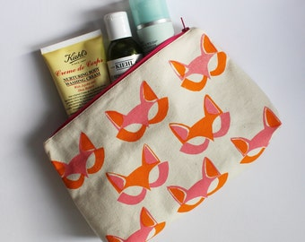 Large catmask pouch