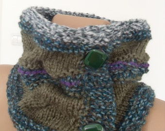 Warm knitted collars, bolero soft woolen yarn, green pastel colors
