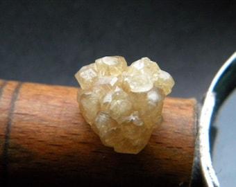 Grossular Garnet Cluster (1,6 x 1,5 x 1cm)
