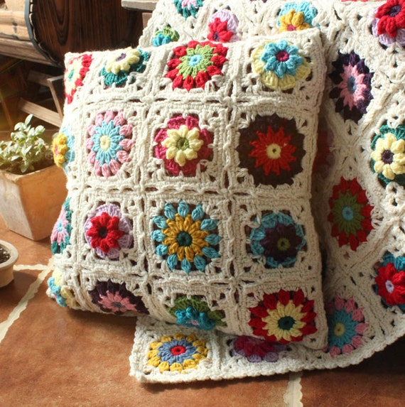 Items similar to crocheted pillow on etsy - Crochet ideas originales ...