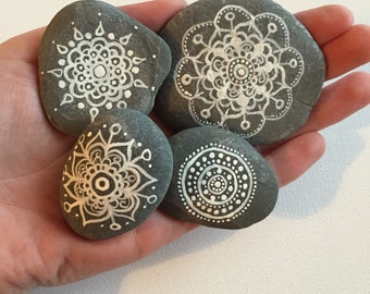 Hand painted stone magnets, stone wedding favors, personalised painted stones, hand painted rocks, henna painted stones