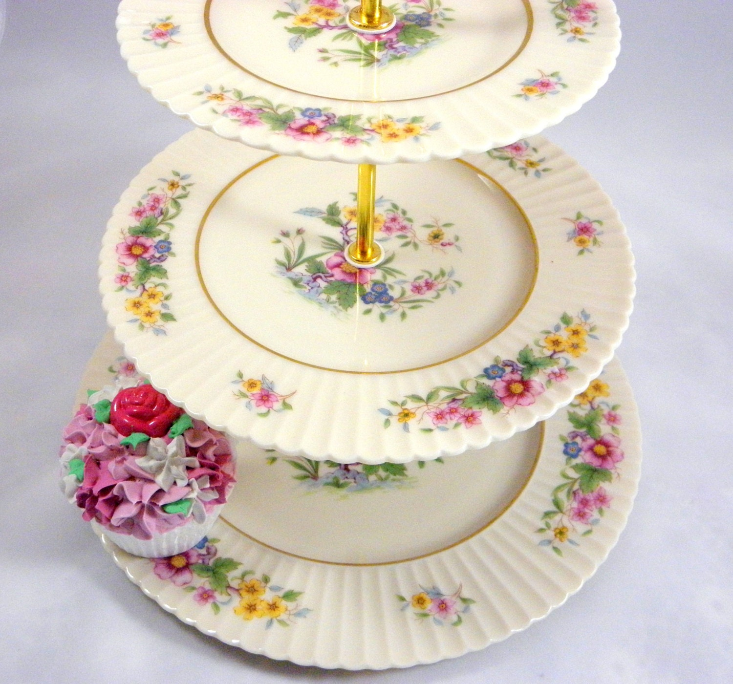 3 tier cake stand tiered cake stand lenox floral cupcake. Black Bedroom Furniture Sets. Home Design Ideas