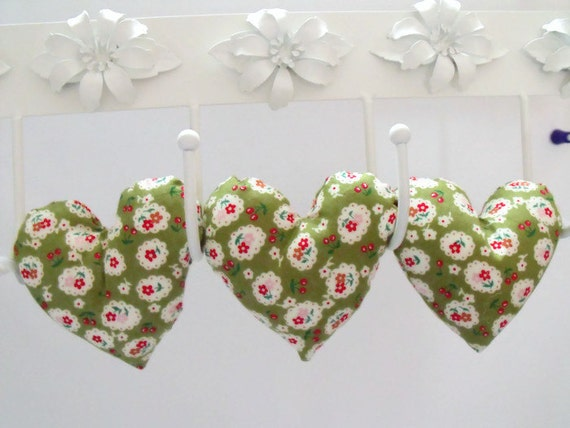 Fabric hanging heart decoration, plush hearts, wall décor, stuffed hanging heart garland