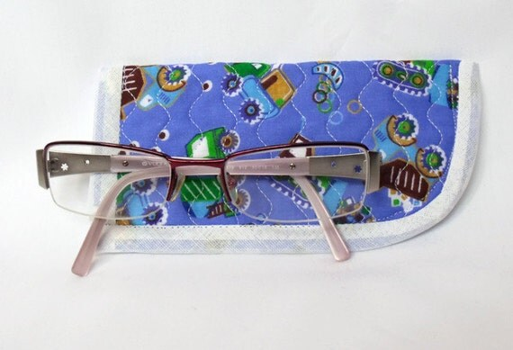 quilted spectacle holder, childs glasses case, sunglasses cover, eyeglasses case, quilted glasses protector, glasses holder, tractor fabric