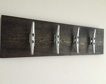 Wood coat rack with 4 nautical cleats