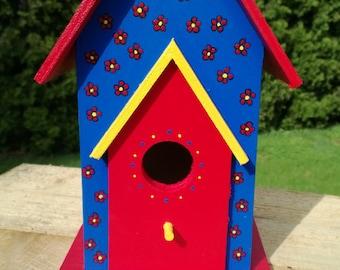 Bird House, Wooden Bird House, Hand Painted, Yard Art, Garden Decor, Yard Decor, Garden Art, Outdoor Art, Garden Decoration, Daisies