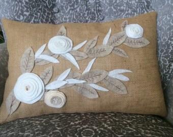 White Felt Flower Applique Lumbar Throw,Burlap Pillow,Natural, wedding decor pillow, summer cushion, Spring Toss Pillow.Sofa Cushion,