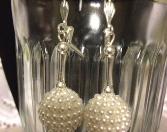 All The Charm of Pearls in These Lovely Dangle Earrings w/Japanese Seed Pearl Beads, Silver Tone Beads & Lever Backs. (GM 96)