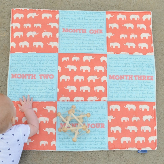 BABY ACTIVITY QUILT, baby shower gift, baby patchwork quilt, tummy time mat, baby play mat, educational play, sensory play, new mom