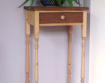 Side Table (two-tone pine)