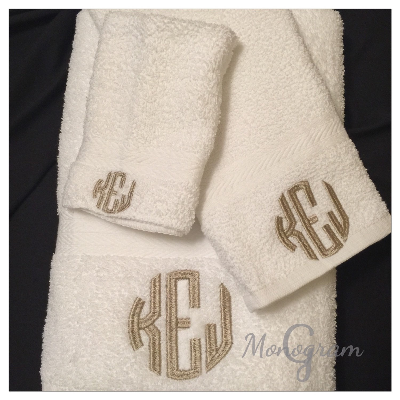 Monogram Towel Set/ Monogram Bath Towels/ Monogram Bath Towel/