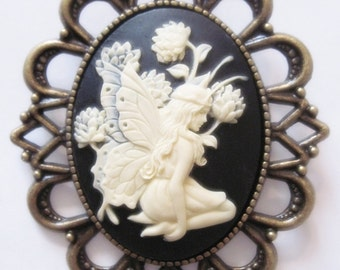 MADE IN FRANCE retro vintage cameo brooch eleve witch butterfly faery fantasy tolkien