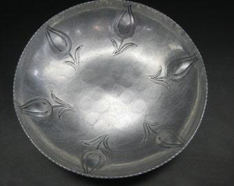 Buenilum Hand Wrought Aluminum Bowl Tulip Motif Frederic Buehner & Co. 1930's