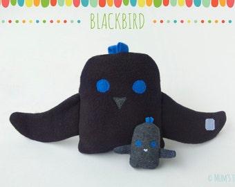Blackbird/Raven plush toy set—hugging large and small bird stuffed animals