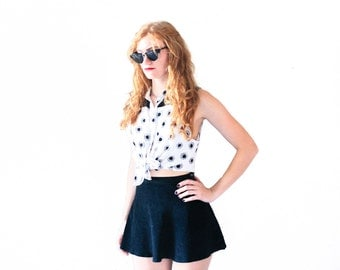 90's DAISY Mesh White/Black Cropped Button-Up Tie Top || Vintage || Medium