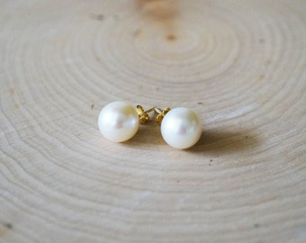 White Pearl Stud Earrings - Sterling Silver Jewelry, Bridesmaid Gift, Bridal Jewelry, Wedding Jewelry, Pearl Studs