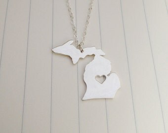 Silver Michigan State Necklace,MI State Necklace,Michigan State Charm Necklace,State Shaped Necklace  With A Heart