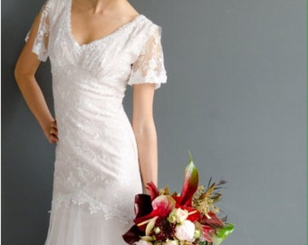 """Janay Marie Designs - """"Alexis"""" Gown, Fashion Show Sample - Lace and English Net Fit and Flare Wedding Gown, size 0-2"""