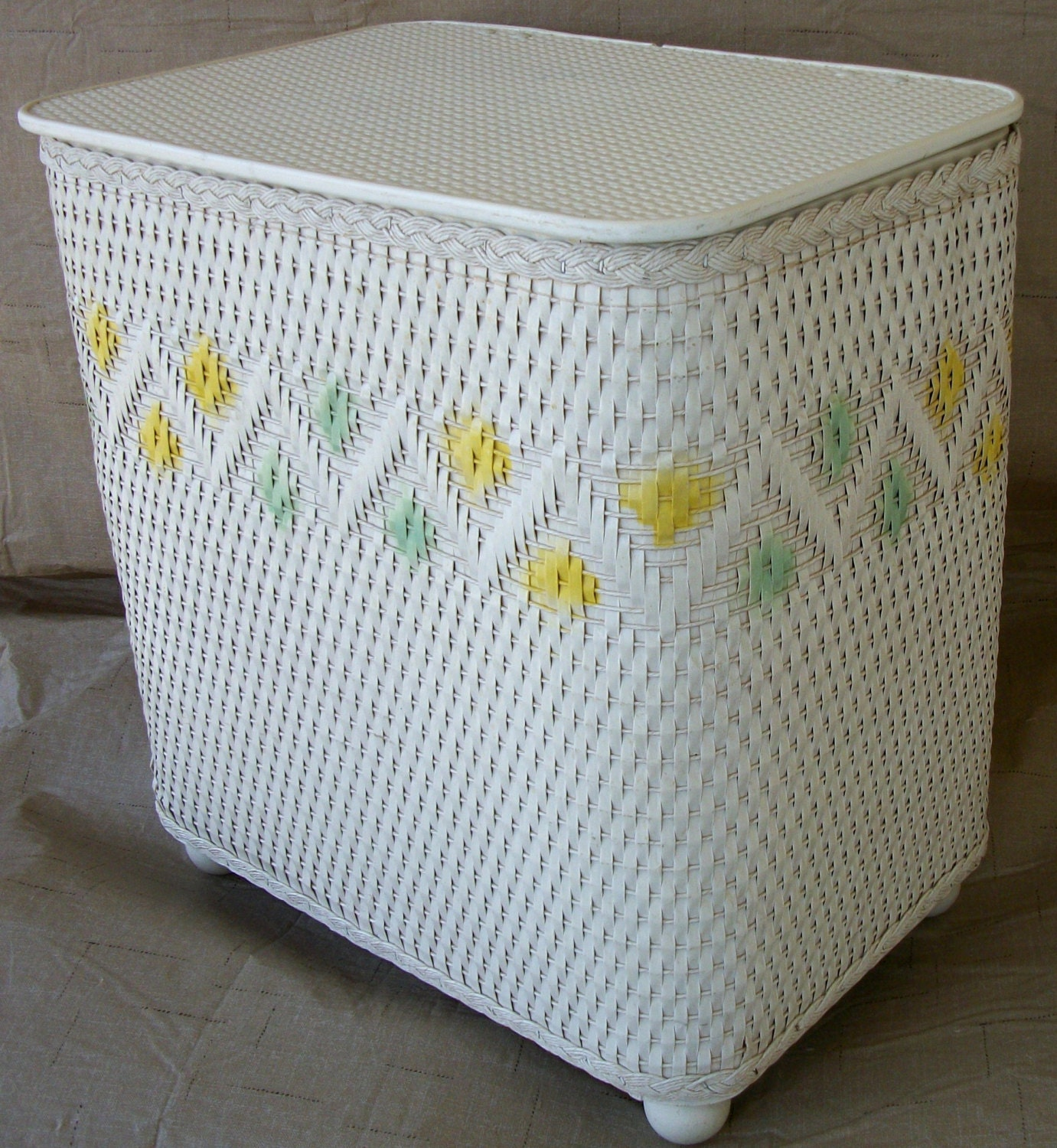 Vintage wicker laundry hamper pastels - Rattan laundry hamper ...