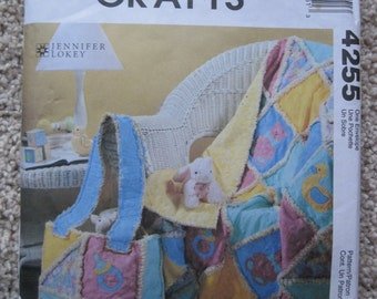 UNCUT Rag Quilt and Diaper Bag for Baby - McCall's Crafts Sewing Pattern 4255