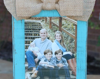 Turquoise Distressed Wood Frame, Turquoise Paint, 5x7 Picture Frame, Rustic Picture Frame with Burlap Ribbon, Burlap Bow , Farmhouse Decor