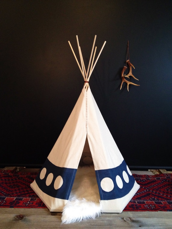 artisanaux am rindiens pour animaux de compagnie tipi small. Black Bedroom Furniture Sets. Home Design Ideas