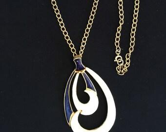 60's Navy and Cream Enamel Pendant Necklace                VG1025