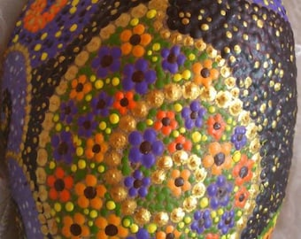 Dot painting stone JEREMY of lovingly hand-painted River pebbles, weatherproof and UV-resistant, 11 cm diameter