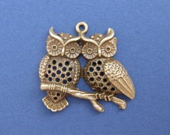2 Owl Charm - Owl Pendant - Owls - Owls on a Branch - Antique Bronze - 4.4cm x 4cm -- (X3-10079)