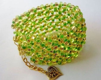 Lime and lemon. Bracelet large beads.