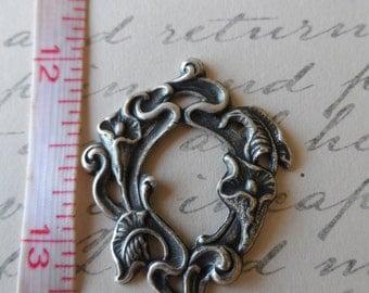 Calla Lilies Small Framework Oxidized Silver 36mm