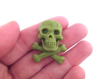 4 green resin skull cabochons  25x33x8mm