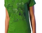 On SALE Fashionable Frogs T-shirt - Frog Shirt - Sale Shirt - Frog Art - Animals in Clothes - Gift for Women