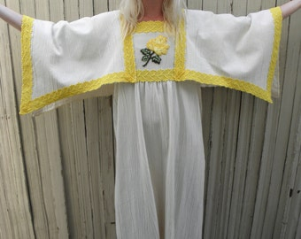 Mexican Dress // Boho 70s Dress // Angel Sleeve // Cream White // Bohemian Maxi Dress // Festival Fashion // XS SMALL MEDIUM