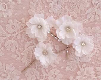bridal hair accessories, white flower hair pins, swarovski crystal hair clip, hair pins, wedding bobby pins, sparkly bridesmaid accessories