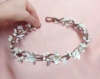 first communion flower crown, first communion headpiece, white floral crown, communion headband, white bridal headband, flower circlet halo