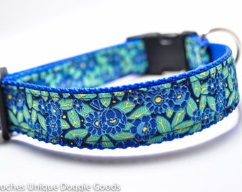 Blue Flower Dog Collar / Meadow Blooms in Blue / Blue and Green / Buckle or Martingale