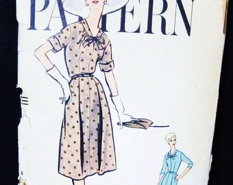 50s Vintage Vogue 9463 Pattern Day Dress Full Flared Skirt, Tied Neck, Short or 3/4 Sleeve, Mid Century Design Date 1958, Bust 36