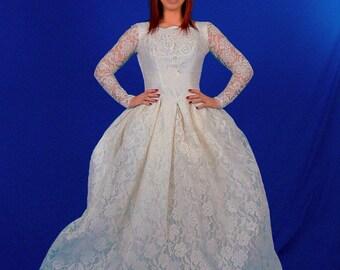 Princess Bride Wedding Dress Lace 1950s-1960s