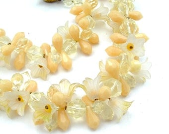 FUN Retro Necklace, Floral Lei Beaded Pastel Ombre Banana Yellow Flower Boho Jewelry Necklace