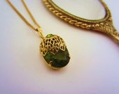 Peridot necklace. August birthstone. Sarah Coventry vintage jewelry. Gold filigree necklace. Adjustable.