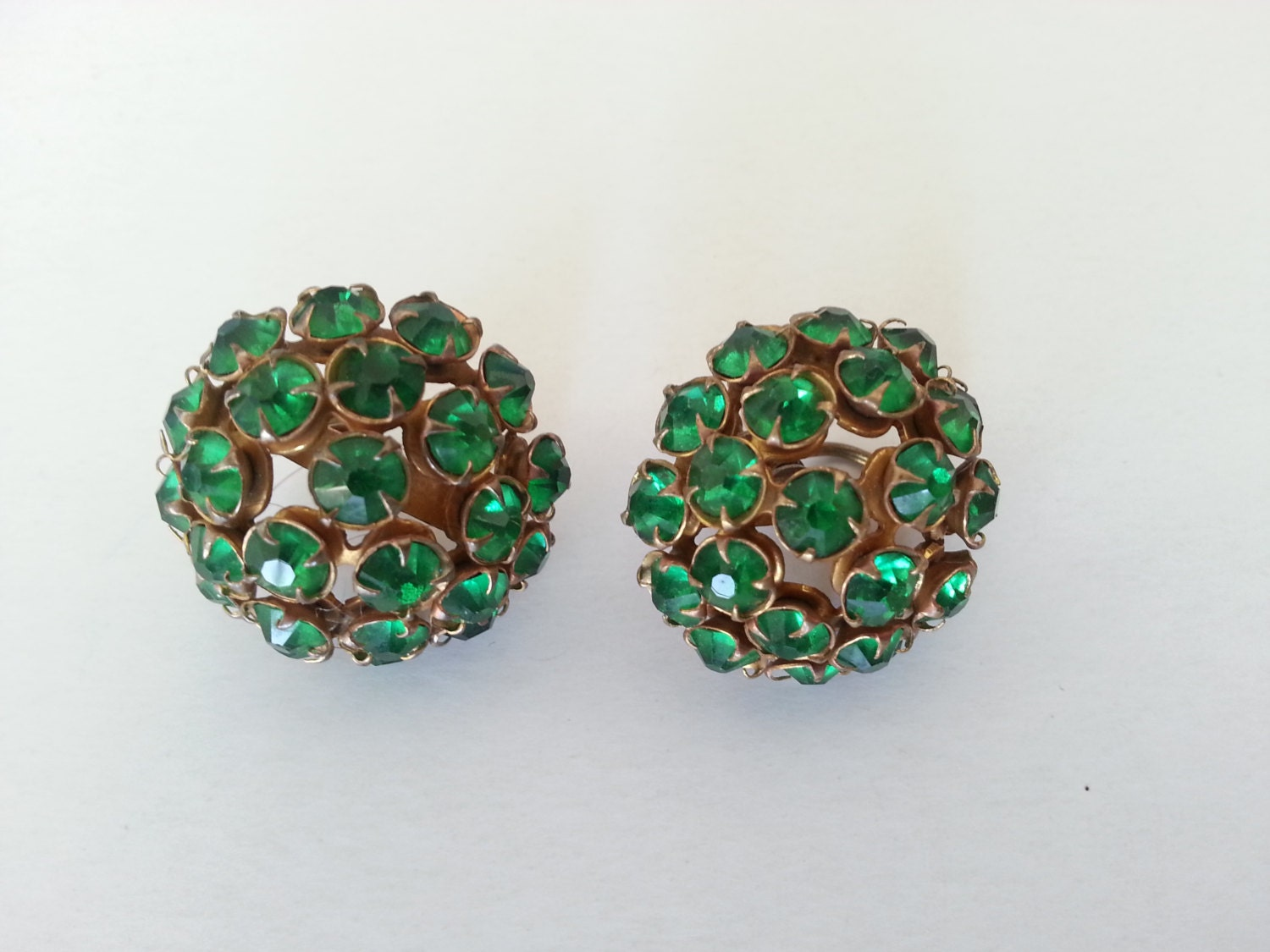 emerald costume jewelry clip on earrings