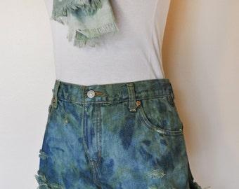 Green Sz 10 Levi's 550 Denim SHORTS - Dyed Denim Urban Distressed Destroyed High Waist Vintage Shorts - Adult Womens Size 10 (30 Waist)
