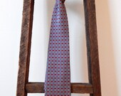 Vintage Gucci Necktie Men's Classic Luxury Accessory Timeless Versatile Office to Evening