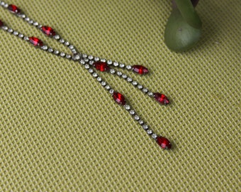 Vintage Rhinestone White and Red Dangle Single Strand Necklace Drop