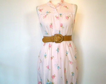 Vintage 50s / Light Pink and Floral / Rockabilly / House / Day / Dress / Small