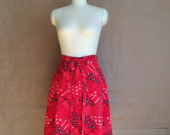 SALE! vintage 70's wrap skirt /  handkerchief hippie wrap around skirt /  womens small